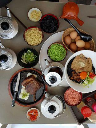 Foto 2 - Makanan di Universal Noodle Ichiro Chazuke Ramen Market oleh Makankalap