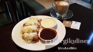 Foto 2 - Makanan(Pisang Goreng) di Cafe One - Wyndham Casablanca Jakarta oleh UrsAndNic