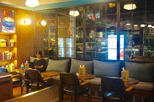 Foto 23 - Interior di The People's Cafe oleh yudistira ishak abrar