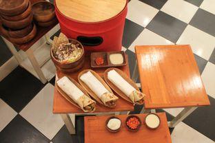 Foto 6 - Makanan di Emado's Shawarma oleh Prido ZH