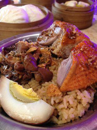 Foto 12 - Makanan(Nasi Tim Bebek Panggang) di Wang Fu Dimsum oleh awakmutukangmakan