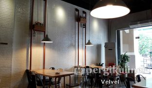 Foto 6 - Interior di Holy Noodle oleh Velvel