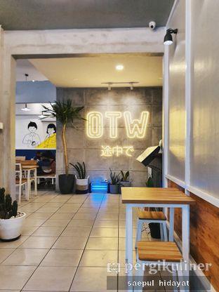 Foto 4 - Interior di OTW Food Street oleh Saepul Hidayat