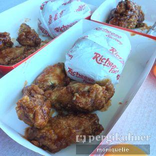 Foto 1 - Makanan(Combo fire wings) di Richeese Factory oleh Monique @mooniquelie @foodinsnap