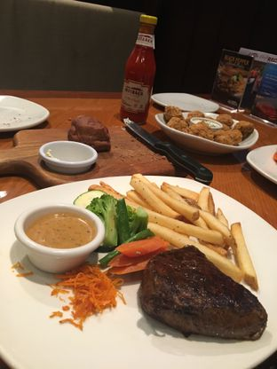 Foto 5 - Makanan di Outback Steakhouse oleh Bread and Butter