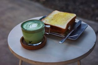 Foto 1 - Makanan(Club Sandwich dan Calatte) di Serantau Coffee x Space oleh Fadhlur Rohman