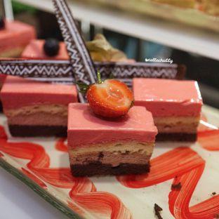 Foto 1 - Makanan di Catappa Restaurant - Hotel Grand Mercure Kemayoran oleh Stellachubby