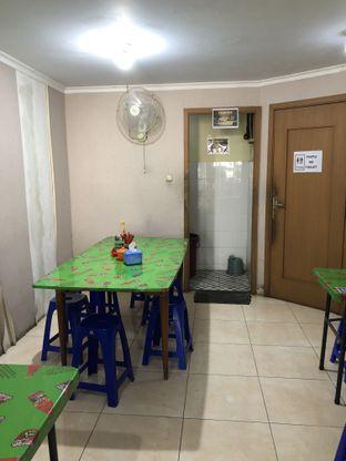 Foto 2 - Interior di Bakmi Kah Seng oleh @Sibungbung