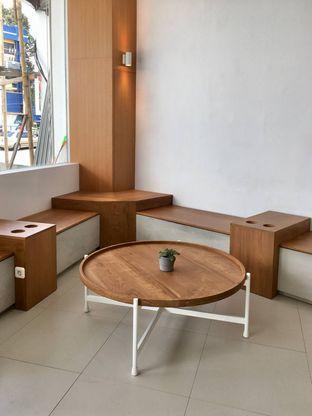 Foto 1 - Interior di Oi Coffee & Eatery oleh Prido ZH