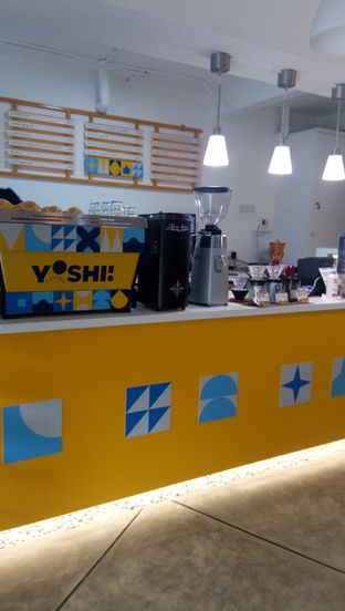 Foto 3 - Interior di Yoshi! Coffee oleh duocicip