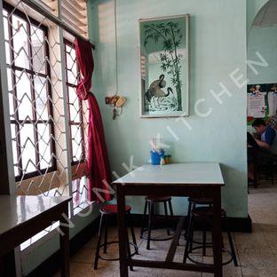 Foto 7 - Interior di Mie Keriting Sri Horas oleh Fensi Safan