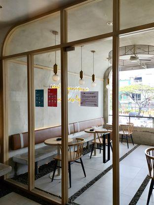 Foto 13 - Interior di Coffeeright oleh Prido ZH