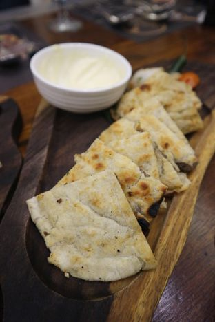 Foto 27 - Makanan(Arayes) di Awtar By Hadramawt Palace oleh Levina JV (IG : levina_eat )