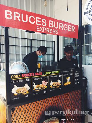 Foto review Bruces Burgers Express oleh @supeririy  3