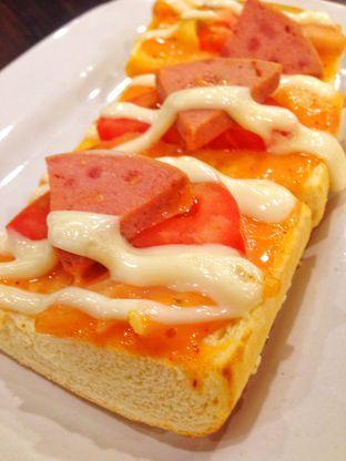 Foto review Pizza Hut oleh Aldi Ciptadi 2