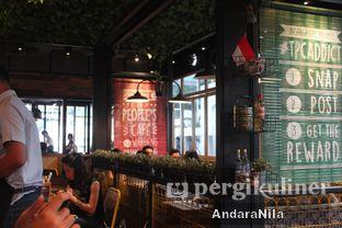 Foto 6 - Interior di The People's Cafe oleh AndaraNila