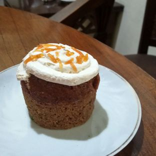 Foto 1 - Makanan(Carrot Cake) di Anomali Coffee oleh YSfoodspottings