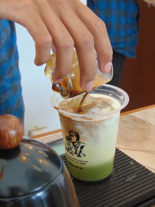 Foto 1 - Interior di VSIXTY COFFEE oleh Kuliner Addict Bandung