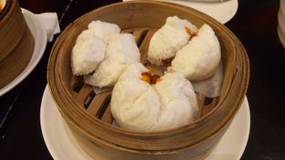Foto 2 - Makanan(Bakpao chasiew ayam) di The Duck King oleh Jocelin Muliawan
