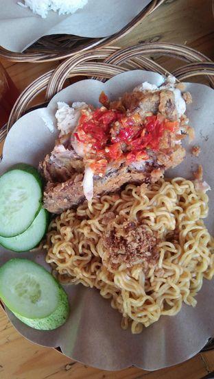 Foto 3 - Makanan di Ayam Geprek Master oleh Review Dika & Opik (@go2dika)