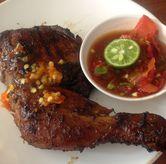Foto Ayam Bakar Pedas Manis di Sambal Khas Karmila