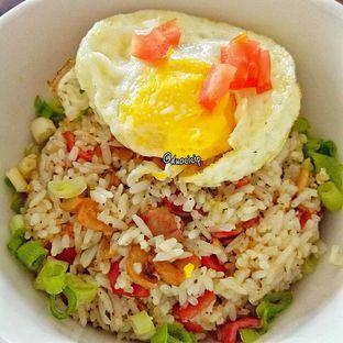 Foto 5 - Makanan(Smoked beef pepper rice) di Kolibrew oleh duocicip