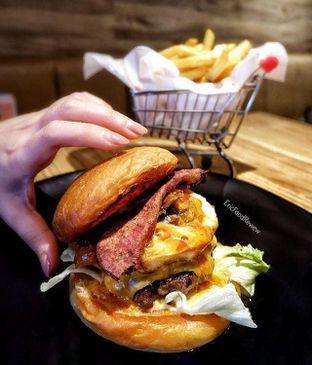 Foto - Makanan(XL Cheeseburger) di Kata Kata oleh Eric  @ericfoodreview