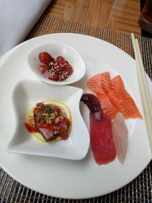 Foto 1 - Makanan di The Cafe - Hotel Mulia oleh Janice Agatha