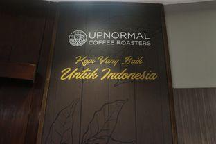 Foto 24 - Interior di Upnormal Coffee Roasters oleh Levina JV (IG : levina_eat )