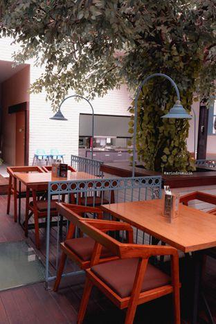 Foto 14 - Interior di Bittersweet Bistro oleh Indra Mulia