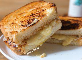 11 Roti Bakar di Jakarta Sebagai Teman Ngobrol di Malam Minggu