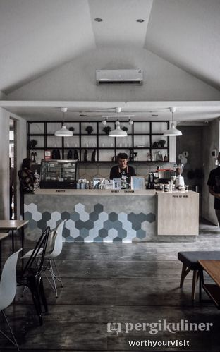 Foto 5 - Interior di Kopi Tikum oleh Kintan & Revy @worthyourvisit