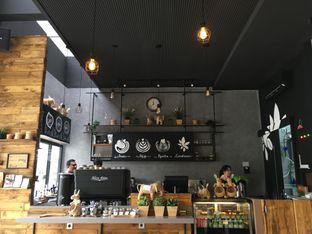 Foto 2 - Interior(Bar) di Canabeans oleh TheGendats