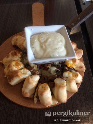 Foto 1 - Makanan di Pizza Hut oleh riamrt