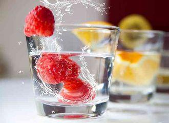 5 Hal Simpel yang Bisa Mencegah Dehidrasi Saat Puasa