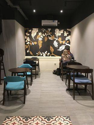 Foto 12 - Interior di Dopamine Coffee & Tea oleh Prido ZH