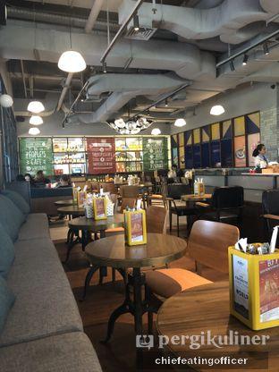 Foto 2 - Interior di Djournal Coffee oleh Cubi