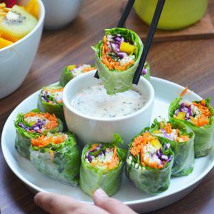 Foto 1 - Makanan(Salad Roll) di Serasa Salad Bar oleh Desanggi  Ritzky Aditya