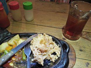 Foto 2 - Makanan di Kampoeng Steak oleh TLiyaP