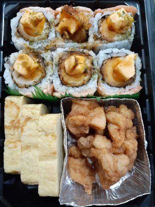 Foto 3 - Makanan di Tom Sushi oleh Michael Wenadi