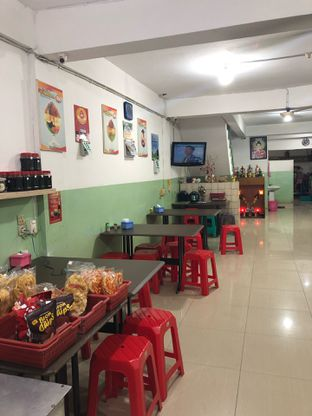 Foto 4 - Interior di Es Teler Sumatera Aho oleh feedthecat
