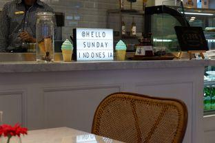 Foto 4 - Interior di Hello Sunday oleh @eatendiary