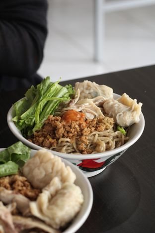 Foto 3 - Makanan di Bakmi Karet Surya oleh thehandsofcuisine
