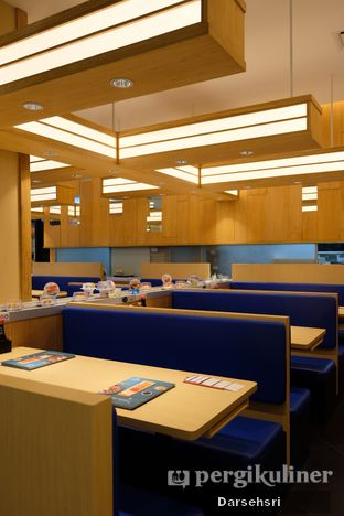 Foto 7 - Interior di Sushi King oleh Darsehsri Handayani