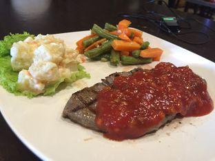 Foto review Dino Burger & Rice Steak oleh Theodora  2
