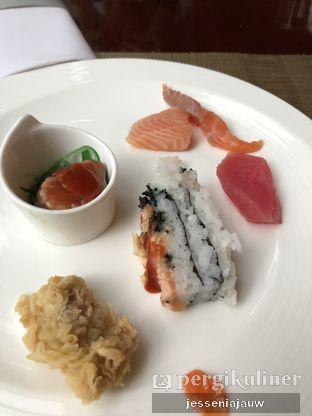 Foto 2 - Makanan di The Cafe - Hotel Mulia oleh Jessenia Jauw