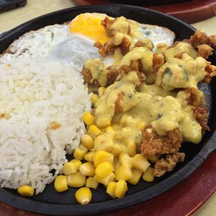 Foto 3 - Makanan(Chicken Salted Egg) di CesCes Hot Plate oleh Rinarinatok