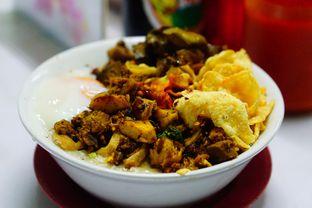 Foto 1 - Makanan di Bubur Ayam Alfa oleh Nanakoot