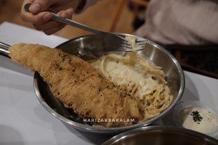 Foto 1 - Makanan di Fish Streat oleh harizakbaralam