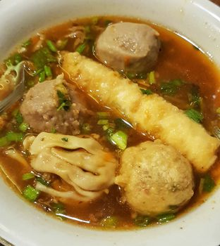 Foto - Makanan di Bakso Enggal Malang oleh Widya WeDe   My Youtube: widya wede